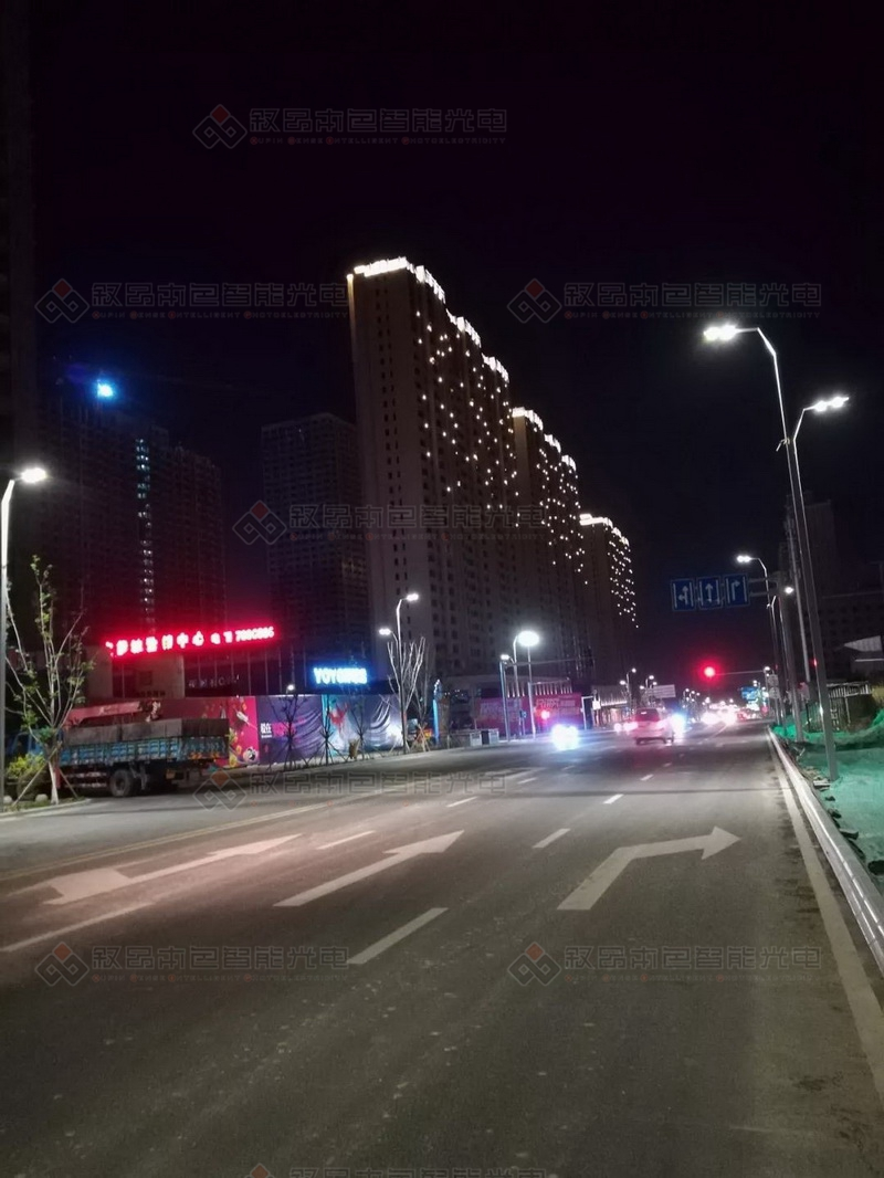 乌鲁木齐宝能城LED亮化工程图片